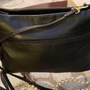 Carlos D'Santi black leather medium handbag